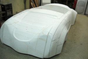 Styropianowe Porsche 356 pod budowę formy.